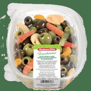 Olive-Verdi-Nere-Denonocciolate-Condite-Giardiniera-linea-freschissimi-madama oliva